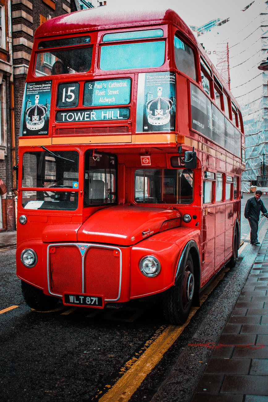 A double-decker bus in London. Photo by Oleg Magni on pexels.com.